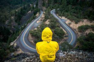 Cómo tomar decisiones difíciles para alcanzar tus sueños con 5 pasos probados