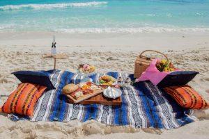 Viaja y come sano: 10 consejos para cuidar tu alimentación al viajar