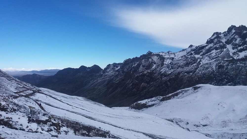Montaña de 7 colores nevada