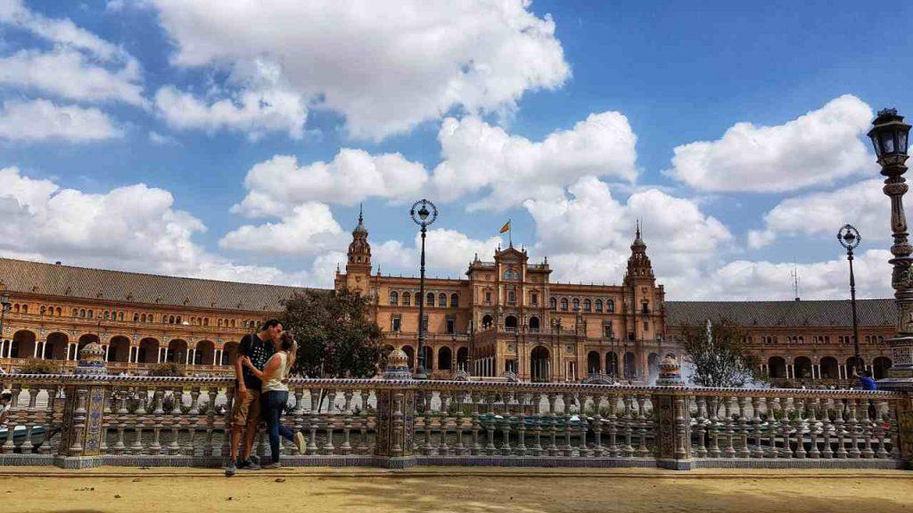 plaza españa que ver y hacer en Sevilla