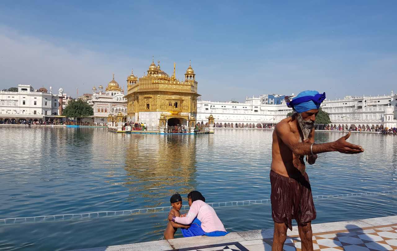 Templo Dorado Amritsar de día