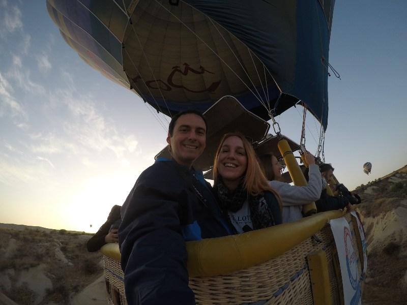 con quién volar en globo en Cappadocia
