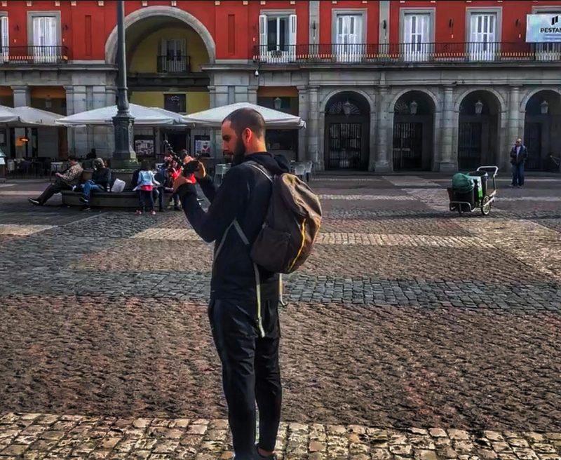 experiencia con worldpackers filmando en un hostel