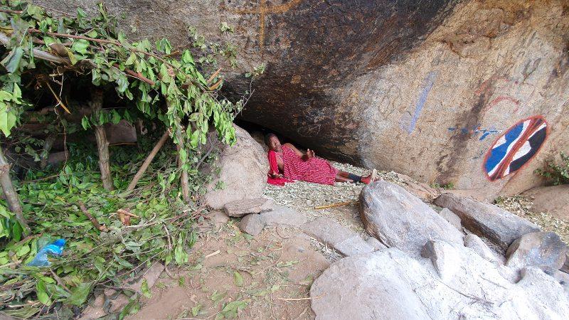cueva Masai en Longido